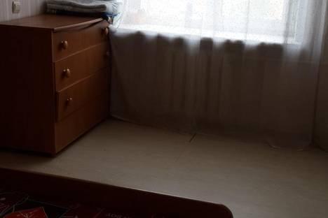 Сдается 2-комнатная квартира посуточно в Чите, ул. Кастринская (Калинина), 5.