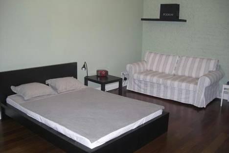 Сдается 3-комнатная квартира посуточно в Нижнем Тагиле, Уральский проспект, 42.