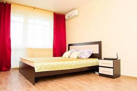 Сдается 1-комнатная квартира посуточно в Челябинске, ул. Братьев Кашириных, 136.
