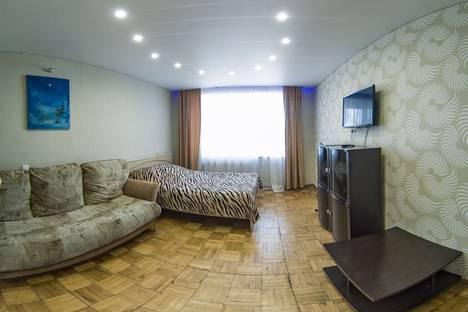Сдается 2-комнатная квартира посуточно, ул. Некрасова, 25.