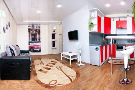 Сдается 1-комнатная квартира посуточно в Бийске, ул. Красноармейская 43.