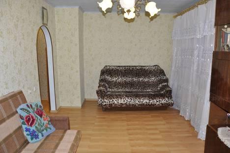 Сдается 1-комнатная квартира посуточнов Великом Новгороде, Десятинная д.17.