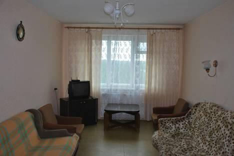 Сдается 2-комнатная квартира посуточнов Саянске, Строителей, 1.