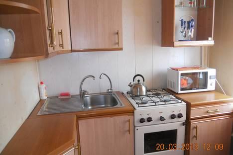 Сдается 4-комнатная квартира посуточно в Бузулуке, 2мкр, дом 1.
