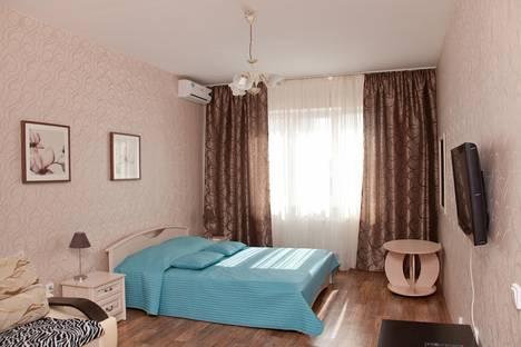 Сдается 1-комнатная квартира посуточнов Краснодаре, улица Восточно-Кругликовская, 46/6.