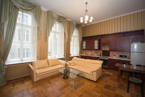 Сдается 2-комнатная квартира посуточнов Санкт-Петербурге, ул. Таврическая, 11 (Т11).
