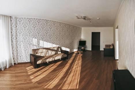 Сдается 2-комнатная квартира посуточно в Оренбурге, Салмышская 43/1.