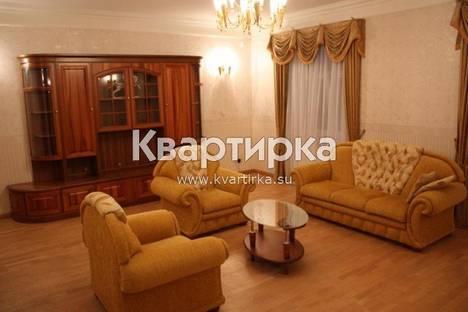Сдается 3-комнатная квартира посуточно в Нижнем Новгороде, ПЛ. ГОРЬКОГО 2.