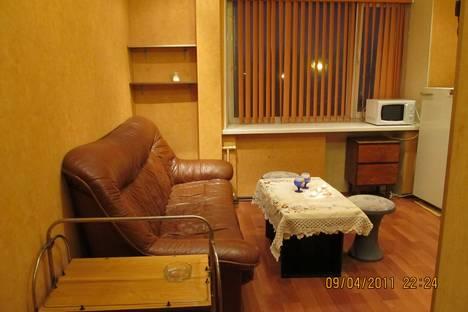 Сдается 1-комнатная квартира посуточно в Мурманске, Кирова д.23.