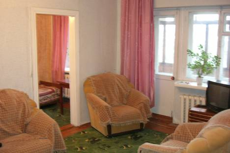 Сдается 2-комнатная квартира посуточно в Кургане, ул. Кирова,55.