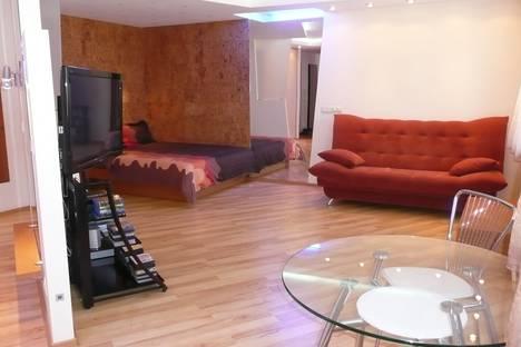 Сдается 1-комнатная квартира посуточно, Красный проспект 59.