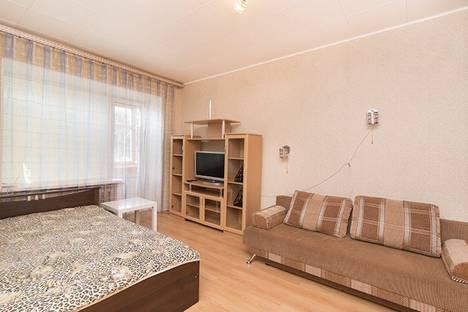 Сдается 1-комнатная квартира посуточнов Екатеринбурге, ул. Попова, 25.