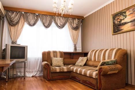 Сдается 3-комнатная квартира посуточно, ул. Свердлова, 31.