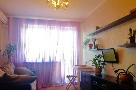 Сдается 1-комнатная квартира посуточнов Саратове, Московская ул., 10.