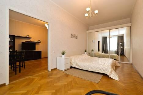 Сдается 3-комнатная квартира посуточнов Санкт-Петербурге, Английская набережная, 18.
