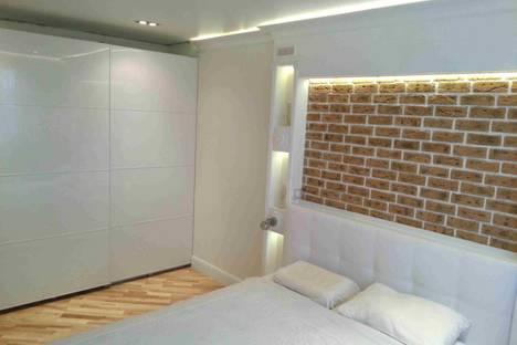 Сдается 2-комнатная квартира посуточно в Химках, проспект Мельникова, 27.
