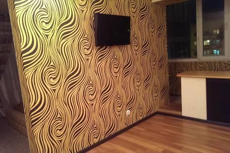 Сдается 2-комнатная квартира посуточно в Норильске, ул. 50 лет Октября, 13.