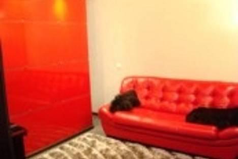 Сдается 1-комнатная квартира посуточнов Ачинске, 1-й Юго-Восточный микрорайон, 6.