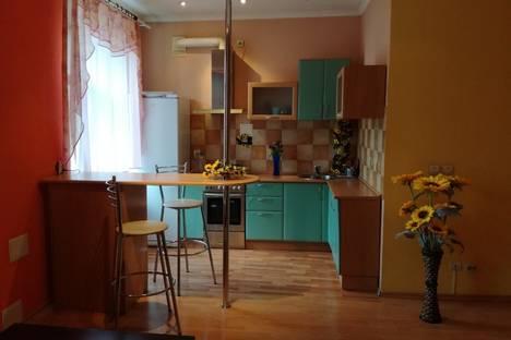Сдается 2-комнатная квартира посуточно в Перми, Комсомольский проспект, 71.