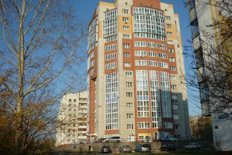 Сдается 2-комнатная квартира посуточно в Барнауле, Павловский тракт, 126.