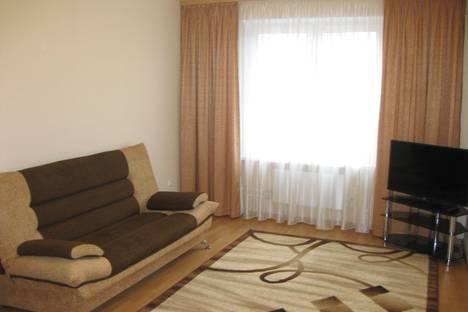 Сдается 2-комнатная квартира посуточно, ул. Танкиста Александрова, д.4.