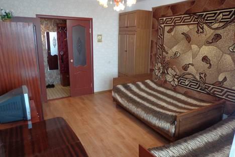 Сдается 2-комнатная квартира посуточно в Кирове, ул. Карла Либкнехта, 143.