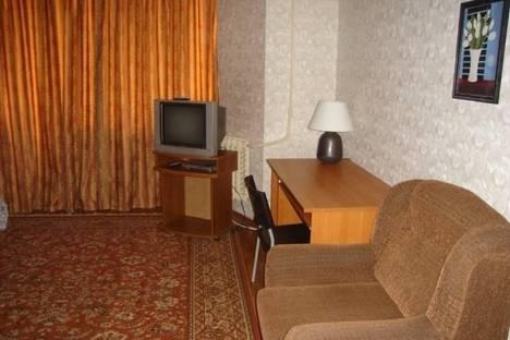 Сдается 3-комнатная квартира посуточно в Гатчине, проспект 25 Октября, 37.