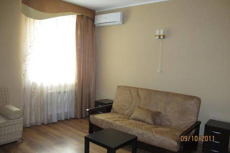 Сдается 1-комнатная квартира посуточно в Сыктывкаре, Коммунистическая 46.