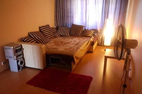 Сдается 2-комнатная квартира посуточнов Санкт-Петербурге, ул. Маршала Новикова, 21.