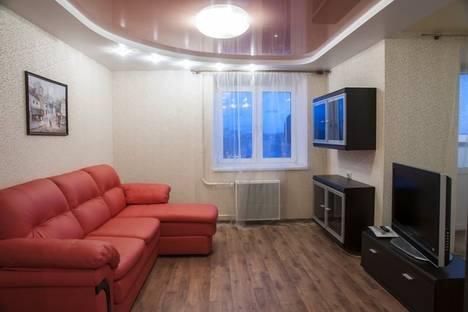 Сдается 2-комнатная квартира посуточно в Кирове, Ленина 112а.