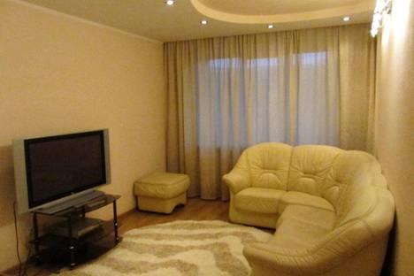 Сдается 3-комнатная квартира посуточно в Новокузнецке, ул. Кирова, 75.