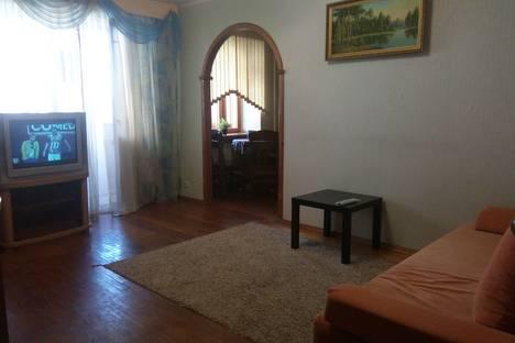 Сдается 3-комнатная квартира посуточнов Кстове, ул. Полтавская, д. 47.