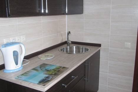 Сдается 1-комнатная квартира посуточно в Таганроге, ул. Петровская д. 43.