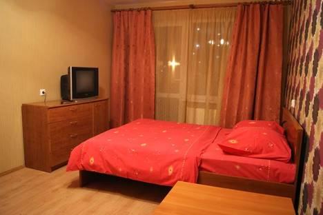 Сдается 1-комнатная квартира посуточнов Екатеринбурге, Бакинских комиссаров 109.
