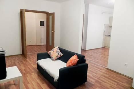 Сдается 2-комнатная квартира посуточнов Екатеринбурге, Бакинских комиссаров 97.