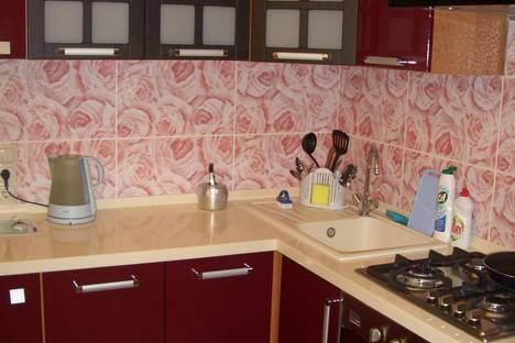 Сдается 2-комнатная квартира посуточнов Угличе, ул. Зины Золотовой, 35.