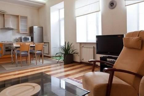 Сдается 2-комнатная квартира посуточнов Санкт-Петербурге, Невский проспект 66.