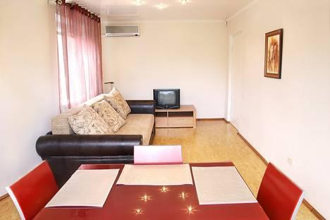 Сдается 3-комнатная квартира посуточно в Магнитогорске, К.Маркса 45/3.