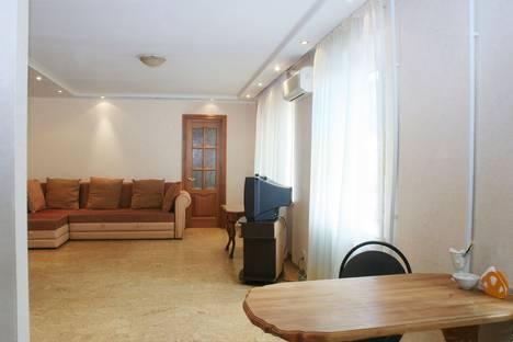 Сдается 3-комнатная квартира посуточно в Магнитогорске, Ленина 118/2.