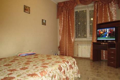 Сдается 1-комнатная квартира посуточно в Новокузнецке, Тольяти 56.