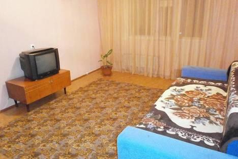 Сдается 1-комнатная квартира посуточнов Тюмени, ул. Валерии Гнаровской, 4.