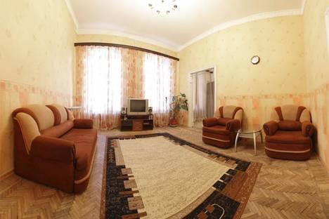 Сдается 2-комнатная квартира посуточнов Санкт-Петербурге, ул. Большая Конюшенная улица, д. 13.