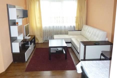 Сдается 2-комнатная квартира посуточно в Новочеркасске, Ул. Калинина 73б.