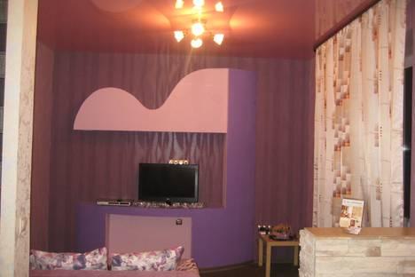Сдается 2-комнатная квартира посуточно в Омске, Серова 1 в.