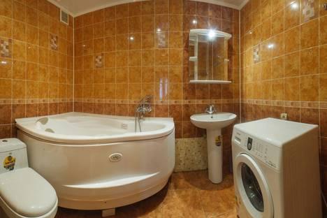 Сдается 2-комнатная квартира посуточно в Казани, ул. Габдуллы Тукая 75Г.