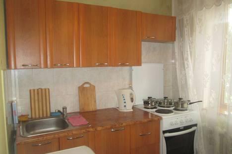Сдается 1-комнатная квартира посуточно в Абакане, ул. Вяткина, 6.