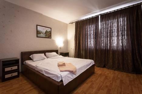 Сдается 1-комнатная квартира посуточнов Красноярске, ул. 78 Добровольческой бригады, 3.