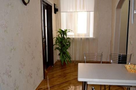 Сдается 3-комнатная квартира посуточно в Новочеркасске, ул. Александровская, 88.