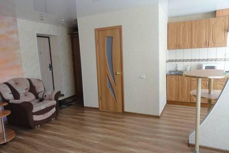 Сдается 1-комнатная квартира посуточно в Сарапуле, ул. Ленинградская, 11.