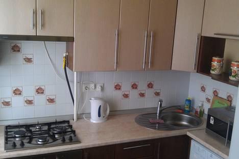 Сдается 1-комнатная квартира посуточнов Новом Уренгое, ул. Геологоразведчиков, 16б.